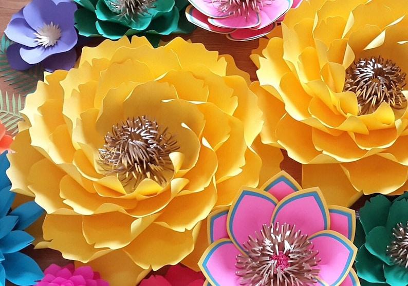 Paper flower template paper flower tutorail.SVG cut file DIY image 0