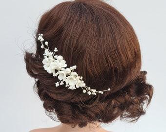 Bridal comb, Wedding headpiece, Bridal hair comb, bridal headpiece, wedding hair piece, flower headpiece, pearl headpiece, Pearl comb, LYRA