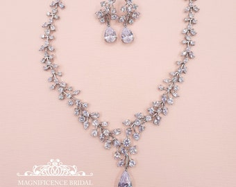 Bridal jewelry, bridal jewelry set, bridal necklace, wedding jewelry, bridal set, jewelry set, cubic zirconia, cz bridal set, cz set, AMBER
