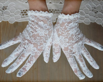 Ivory lace gloves, lace gloves, Wedding gloves, bridal gloves, short gloves, lace bridal gloves, lace mittens, bride lace gloves, Rockabilly