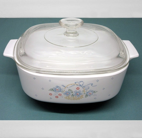 Corning Ware COUNTRY CORNFLOWER CASSEROLE A2B Two Liter with Lid Corningware Vintage