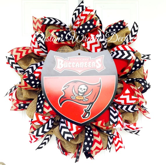 Tampa Bay Buccaneers Wreath, Buccaneers Wreath, Bucs Wreath, Buccaneers Burlap Wreath, Sports Wreath, Football Wreath, Red Black Wreath