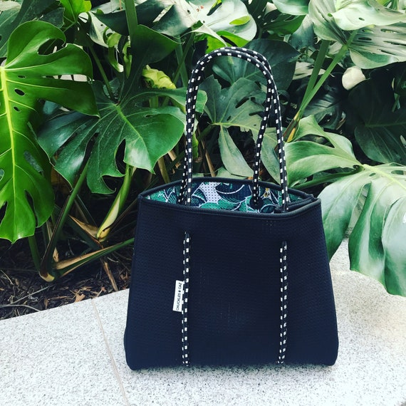 Girls and Mums Accessories for Baby Boys Sydney Tropical Palm  Black Reversible Neoprene Tote Bag /& Changing Mat Australia Gift Set