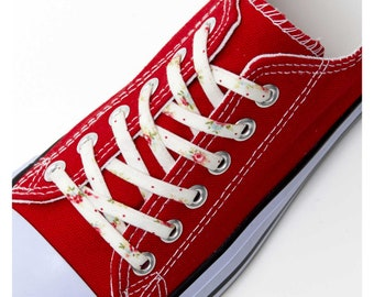 4d6322e7264e Shoelaces with Tiny Flowers and Polka Dots