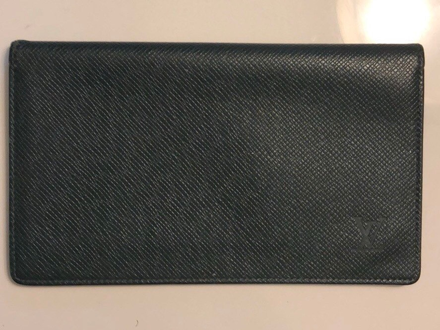 418636fd23f61 Authentic Louis Vuitton Checkbook Wallet