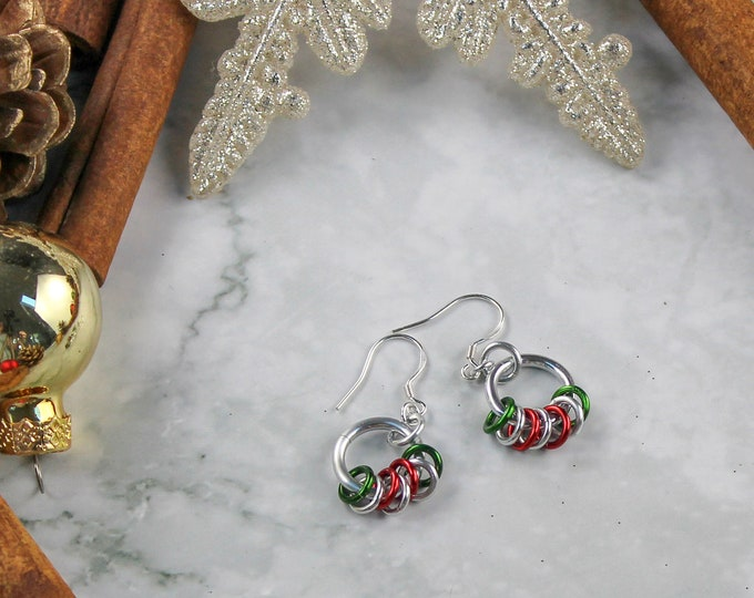 Red and Green Holiday Dangle Earrings - Chainmaille Holiday Earrings
