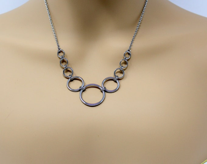 """18"""" Simple Stainless Steel Necklace - Stainless Steel Graduated Circles Necklace - Stainless Steel Necklace"""