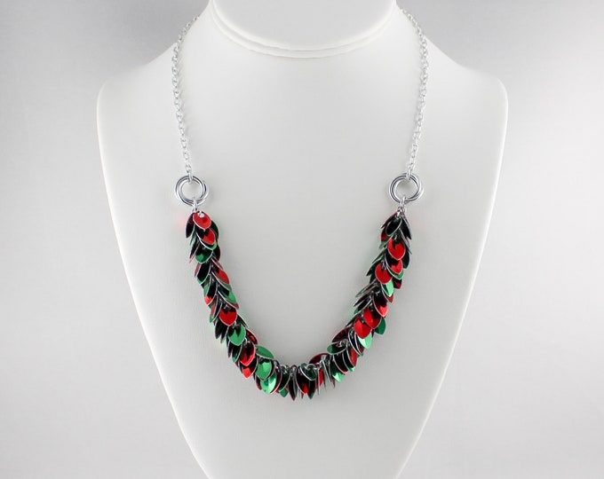 Christmas Tinsel Necklace - Scalemaille Holiday Jewelry
