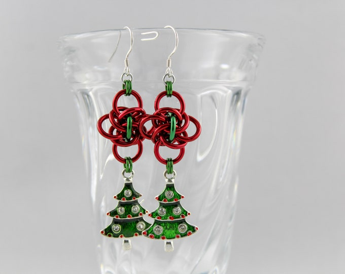 Christmas Tree Dangle Holiday Earrings - Chainmaille Holiday Earrings