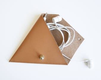 Triangle Leather Pouch// Earphone Pouch// Coin Pouch