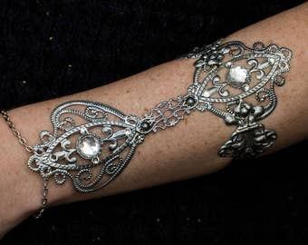 Arm Armor - Ice Queen - Silver Elvish Armour - Crystal bracelet - Cosplay Bracer - LARP Jewellery - Goth Fashion - Boho Festival Jewelry