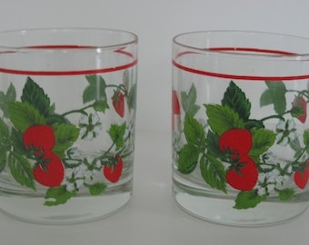 Vintage Strawberry Drinking Glasses / Set of 2