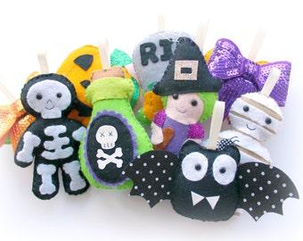 Make Your Own felt Halloween Garland Kit. Sewing pattern. DIY Craft. Sew Your Own. Craft kit. Felt garland, Halloween decor, felt kit