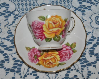 Beautiful Vintage, Royal Vale, Large Pink & Yelow Roses, Fine Bone China Teacup And Saucer