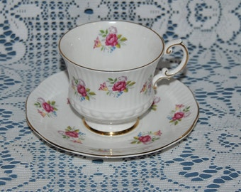 Beautiful Vintage Elizabethan, Fine Bone China Teacup And Saucer
