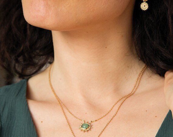 Gold Necklace for women with sun and natural green quartz stone, adjustable chain necklace, minimal jewelry