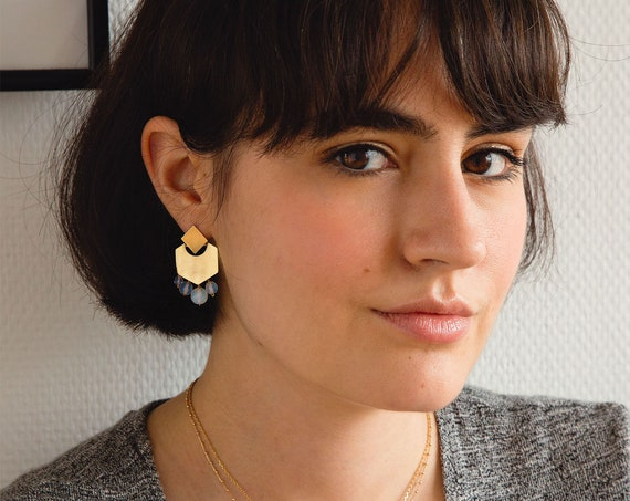 Gold earrings for woman with beads in white crystal, geometric elegant earrings