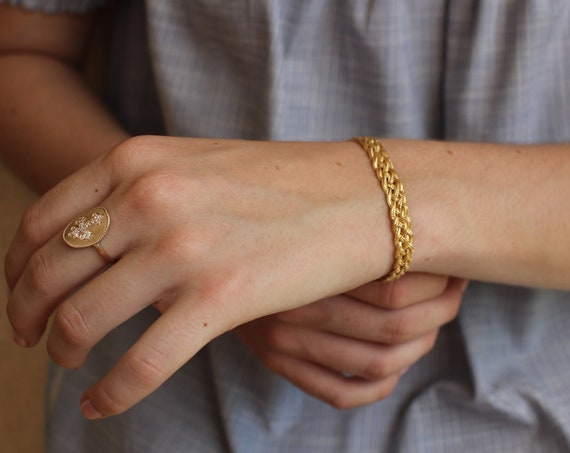 Gold twisted bracelet for women , minimal jewel, chain bracelet, everyday bracelet, christmas gift