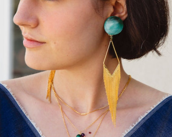 Gold earrings for women in round nacre and triangle with fringes, Christmas gift, everyday earrings