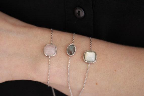 Silver braceletwith Nacre, women's jewelry bracelet, chain bracelet, fine and delicate bracelet, everyday bracelet, Dainty bracelet