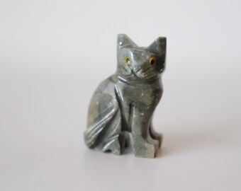 Cat Collectible Art Statue Made in Kenya Black Hand Carved /& Hand Designed Soapstone Feline