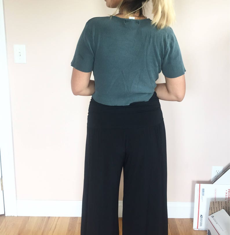 black high waisted flowy culottes  vintage  size large