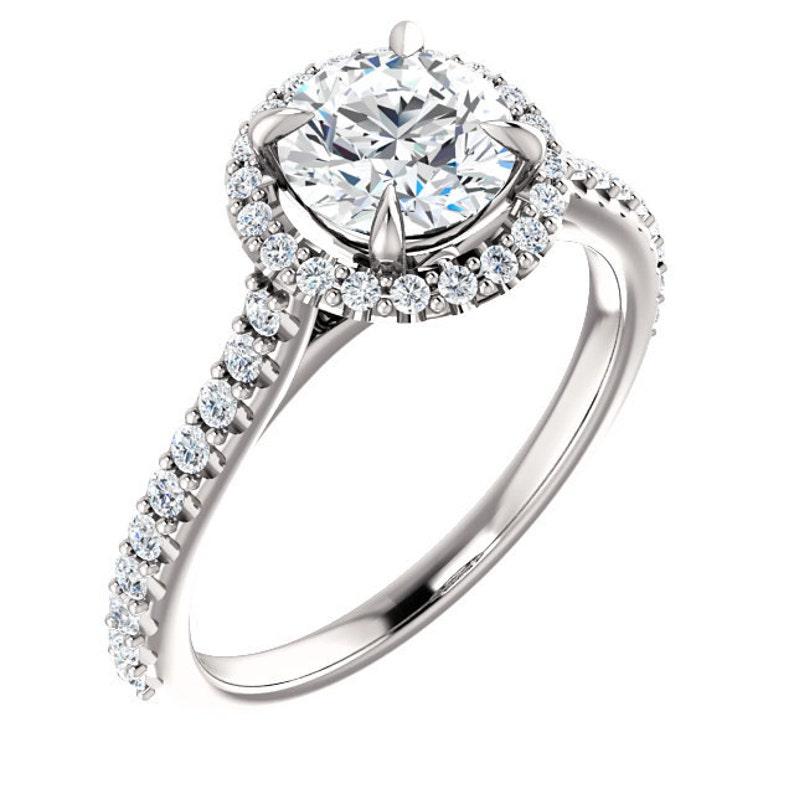 1507a238bf1b 1.50 quilates anillo Halo Swarovski Zirconia cúbico anillo de