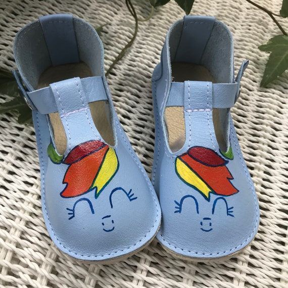 Girls Unicorn shoes Closed toe Girls shoes Mary Janes with rubber sole unicorns t-straps