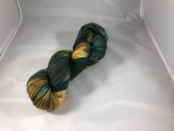 Hand Dyed Fingering Yarn, green gold yarn, kettle dyed yarn, sock yarn, shawl yarn, sweater yarn, wool yarn, wool nylon yarn, yarn