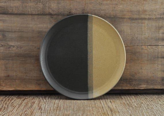 Two-tone satine glaze stoneware plate