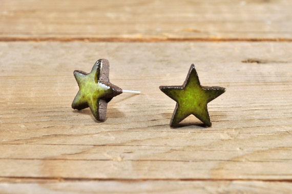 MINI glossy khaki star stoneware stud earrings