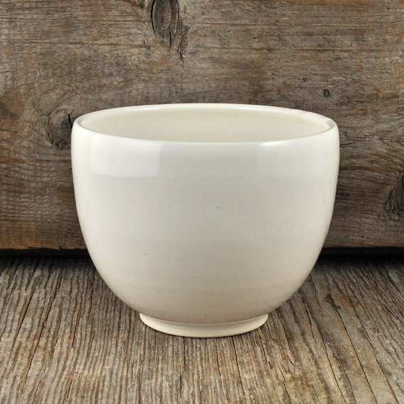 White Glossy Hand-thrown Porcelain Coffee Bowl.