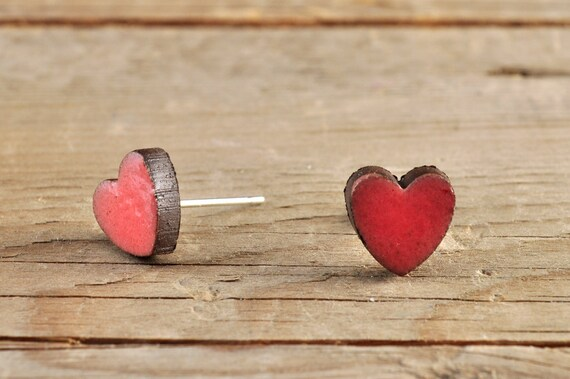 MINI glossy coral heart shape stoneware stud earrings