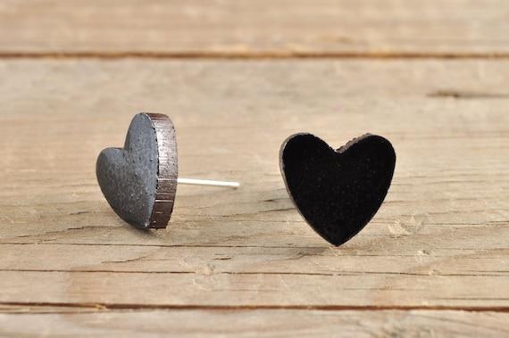 SMALL glossy black heart shape stoneware stud earrings