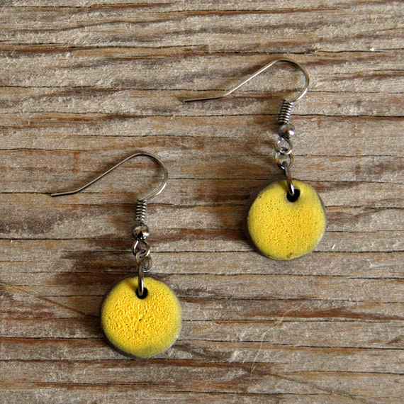 SMALL round stoneware drop earrings with lemon matte glaze
