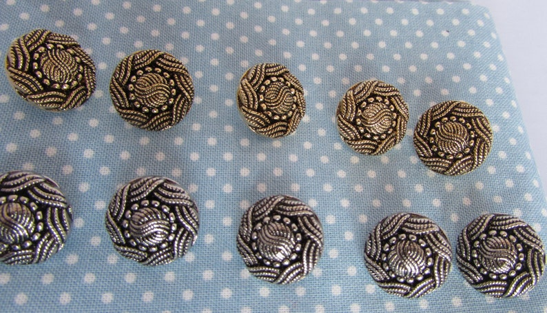 5 or 10 15mm Turks Head Buttons in Gold and Silver in Packs of 2