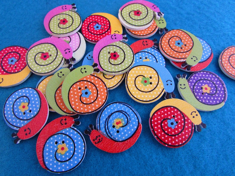 5 or 10 30mm Wooden Tractor Buttons in Assorted Colours Available in Packs of 2