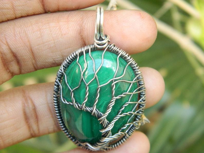 Tree pendant with a malachite gemstone