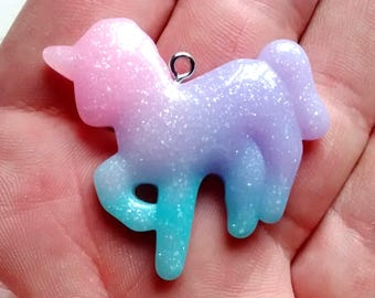 4 Unicorn horn purple charms A779