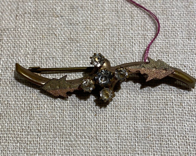 Traditional Victorian Bar Pin Brooch With Leaf Decoration