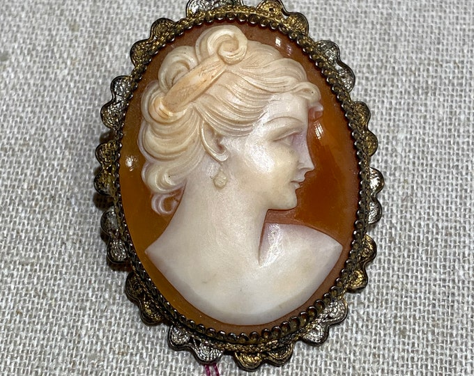 800 Silver Vermeil Hand Carved Shell Cameo Pendant Brooch