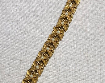 Signed Florenza Gold Tone Bracelet With Faux Pearls