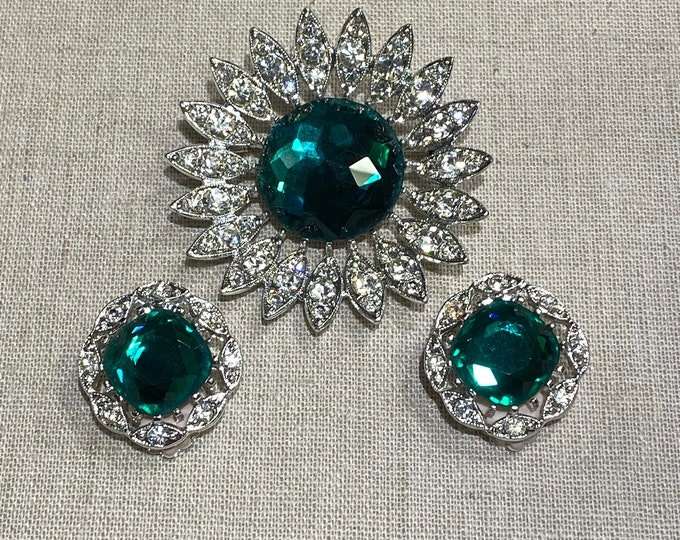 Crisp Sarah Coventry Rhinestone Brooch and Clip On Earring Set