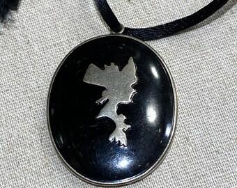 Art Deco Silhouette Powder Compact Necklace Pendant