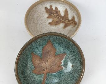 Pair of mini oak leaf bowls