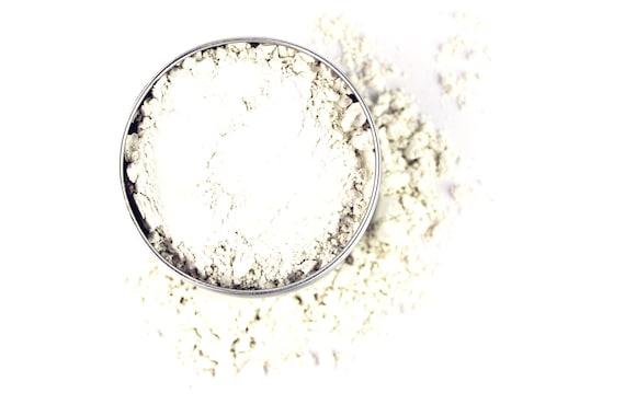 Translucent Finishing Veil • TOXIN FREE SPF 15 • Ultra Matte, Lightweight, All Natural • Argiletz Clays, Mica, Corn Starch • 2g/20g