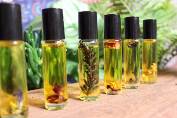 Roll-on Aromatherapy Perfume Oils • Alcohol, Toxin and Cruelty Free • Pure Essentials Oils blended with nourishing Jojoba • 10mL
