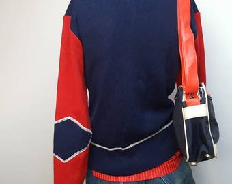 Sporty Fila bag late nineties red blue and white colour whit embroided logo  on front pocket zip closer retro vintage fila sportbag crossbody 0c1e828b772df