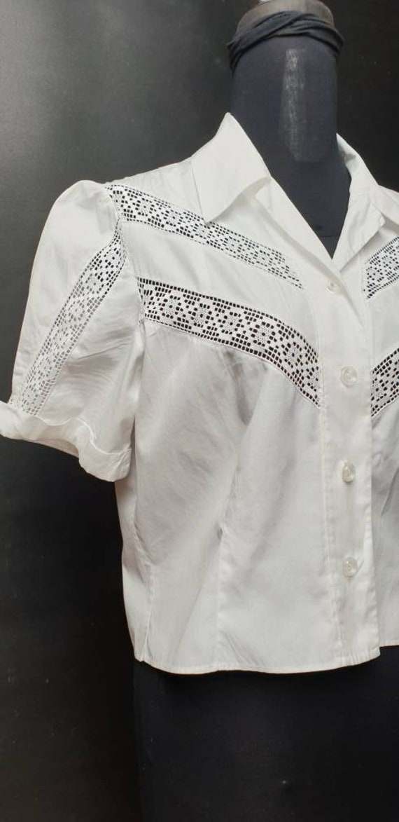 Vintage 40s light cotton  blouse whit  lace croche