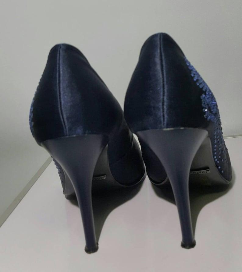 Solo Soprani ellegant blue pumps whit svarovski cyistals decoration italyan artiganal made perfect condision high hell clasic  fasion